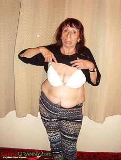 Midget lady photo