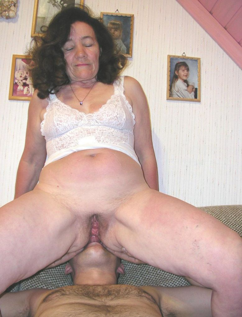 An aged mom adores all poses and long lasting sex 2
